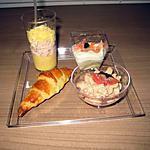 recette Plateau apéritifs !! (croissants aux anchois, verrine thon aux pêche,verrine de crevette !!