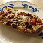recette Pizza baguette avec haché de bœuf et oignons
