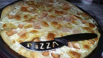 recette de pizza jambon 3 fromages. Black Bedroom Furniture Sets. Home Design Ideas