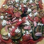 recette Pizza aux légumes du soleil, chorizo et feta