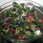 recette Salade de mâche, tomates cerises, feta & olives noires