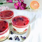 recette Cheesecake en verrine, gelée de pomélo et fleurs mauves séchées { sans cuisson }