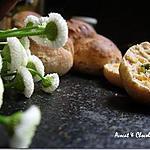 recette **Petits pains semi complet un peu Bio au lait d' amande agrémenté en version salée ou sucrée**
