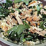 recette Salade de poulet avec couscous, amandes, abricots secs et feta