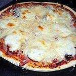 recette Pizza jambon fumé/chorizo/fromages
