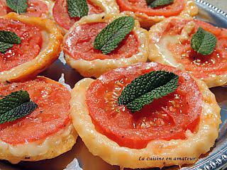 http://recettes.de/mini-tatin-tomate-mozzarella