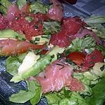 recette Salade au saumon fumé avocat pamplemousse