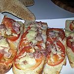recette Tartines grillées de cancoillotte tomates et lard