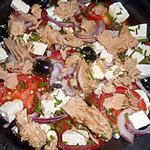 recette Salade de tomates au thon et à la féta