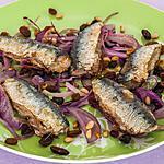 recette Sardines aux oignons rouges, raisins secs et pignons