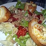 recette Salade aux tartines de chèvres chaud, miel, noix et piment d'Espelette
