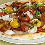 recette Pizza tomates cerises, pesto, pécorino et mozzarella