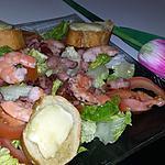 recette Salade a la crevettes lardons et aux croûtons de chevre et miel