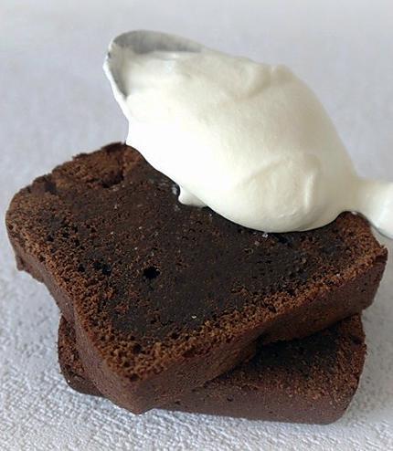 recette de g teau chocolat noir et beurre sal. Black Bedroom Furniture Sets. Home Design Ideas