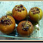 recette Pommes au four fourrées de raisins secs et noix
