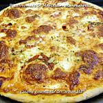 recette Pizza au thym tomates St Marcellin et mozzarella