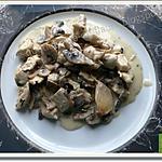 recette Les champignons de Paris accompagnent du poulet nappés de Saint-Marcellin