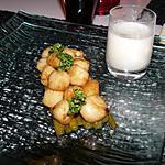 recette Noix de St-Jacques sur lit d'asperges confites et sa crème d'échalotes