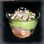 recette Verrine à la crevette, au pamplemousse & purée d'avocat parsemé de riz soufflé