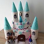 recette Gâteau d'anniversaire:Le château de la reine des neiges et ses amies