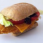 """recette """"Chicken and cheddar burger """" hamburger au poulet frit et cheddar"""