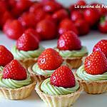 recette Mini tartelette garnie de crème d'avocat surmonté d'une fraise
