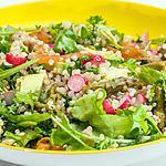 recette Salade de quinoa, avocat, asperges, truite fumée, radis et roquette,