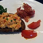 recette Oeuf brouillé à la tomate sur canapé