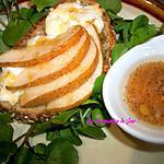 recette SALADE DE POIRE CHÈVRE ET MIEL sur un lit de CRESSON , vinaigrette au citron&miel