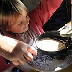 recette On commence tôt la pratique de la cuisine et on le fait en riant