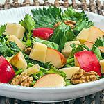 recette Salade de céleri aux pommes, noix et cantal