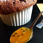 recette Soufflé au chocolat et coulis aux fruits de la passion