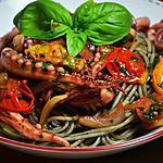 recette Spaghettis à l'encre de seiche, aux encornets en persillades et petites tomates cerises