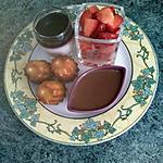 recette Dessert gourmand ( panna cotta, crème chocolat,  cannelés, salade de fraises )