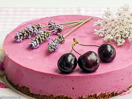 Photo de recette de cheesecake, cerises de Kilomètre-0, blog de cuisine réalisée à partir de produits locaux et issus de circuits courts