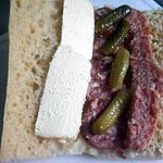 recette SANDWICH AUX DEUX SAUCISSONS