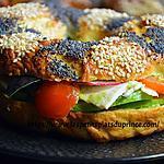 recette Avocado Bagel, le sandwich en anneau très tendance !