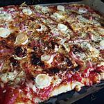 recette Pizza tomate lardon chèvre miel
