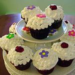 Cup cake de fantaisie au chocolat et au forêt noire