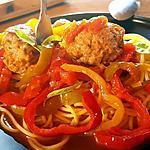 recette Pates aux polpettes de chair à saucisse ,sauce aux poivrons