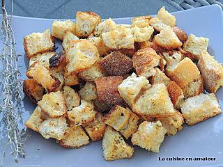 http://recettes.de/croutons-ail-et-romarin