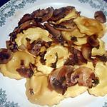 recette POELEE DE CHAMPIGNONS AUX RAVIOLI CHEVRE ET FINES HERBES