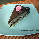 recette bavarois aux fraises entre deux mousses au chocolat sur une dacquoise