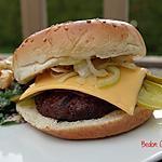 recette Burgers à la sauce barbecue et à la salade de chou
