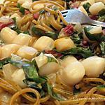 recette Spaghettis aux pétoncles de baie, sauce crémeuse au cari doux +