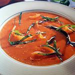 Soupe glacée à la tomate et au saumon