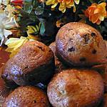 recette MUFFINS AUX PEPITES AUX CHOCOLAT ET AUX ECORSES D'ORANGE CONFITS