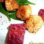 recette Saint-jacques dorées à la vanille betterave et wasabi