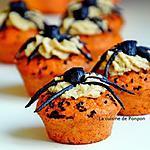 recette Cupcake aux tomates, chantilly de noix de cajou et araignée d'ail noir....