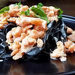 recette Pâtes maison à l'encre de seiche,  saumon fumé, sauce citron